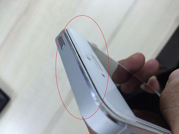 Nguyên nhân và cách sửa mặt kính iPhone 5 bị hở