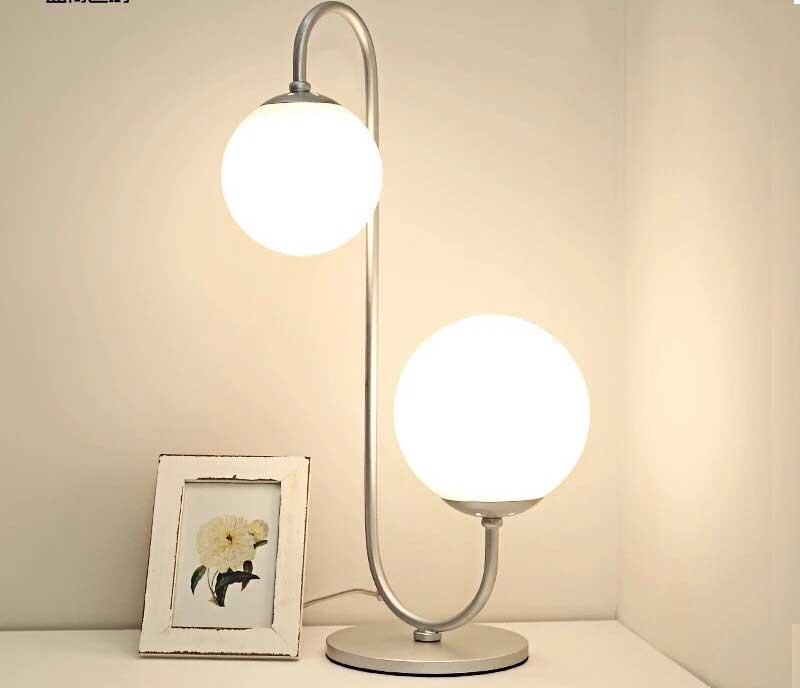 Cách chọn đèn bàn hoàn hảo cho không gian gia đình